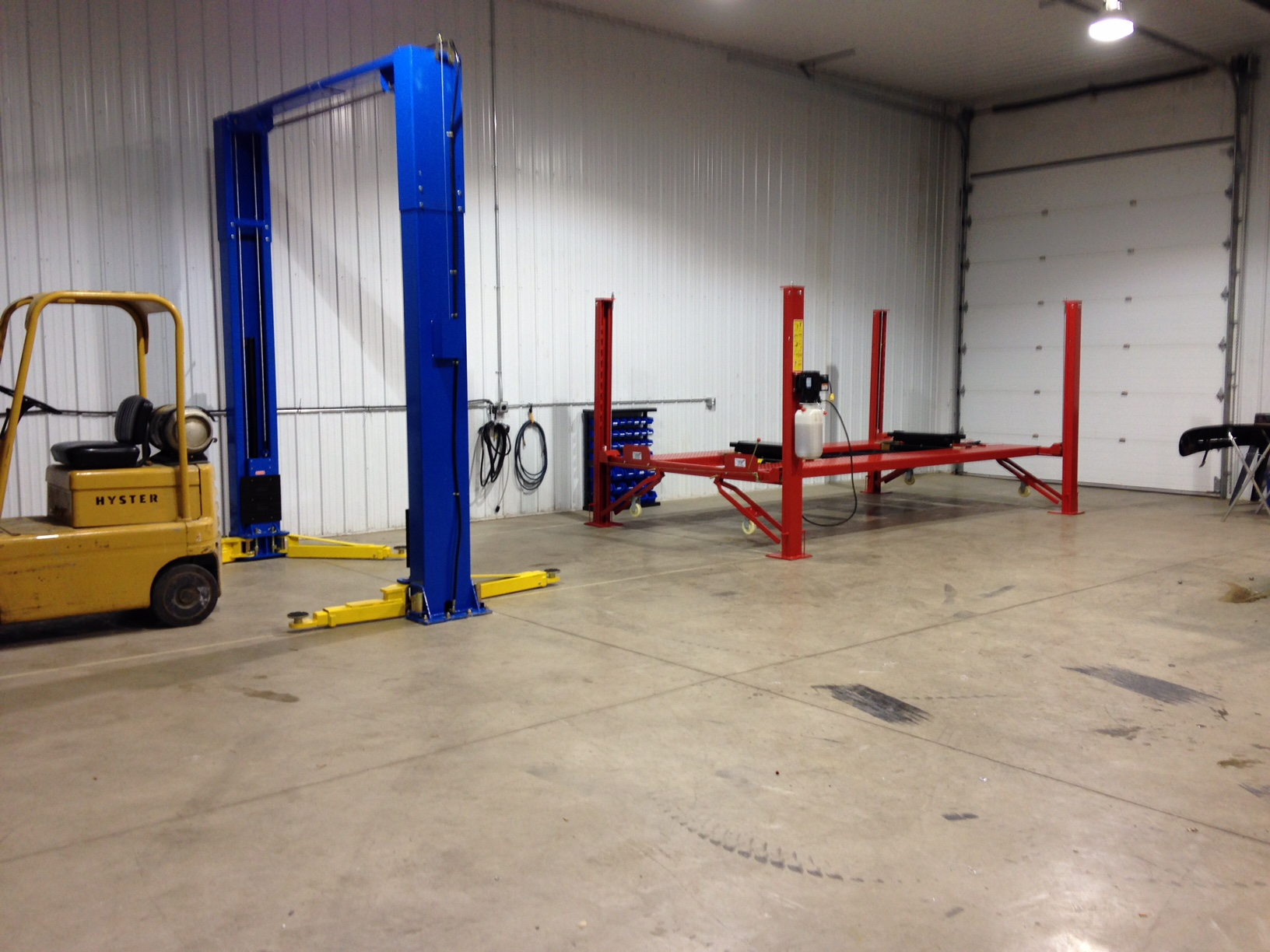 Car Lifts and Home Vehicle Maintenance - Lift King - Hydraulic Lifts in Calgary