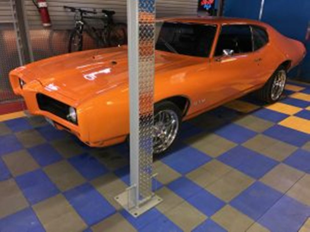What Makes a Car a Muscle Car? - Lift King - Auto Lifts in Calgary - Featured Image